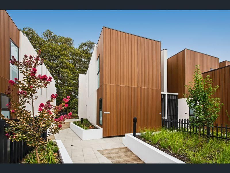 THREE BEDROOM ULTIMATE TOWN RESIDENCE IN AN ULTIMATE LOCATION
