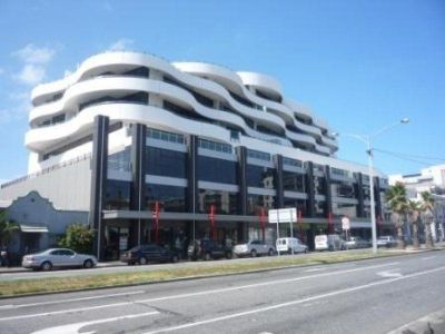 207-208 / 120 Bay Street, Port Melbourne