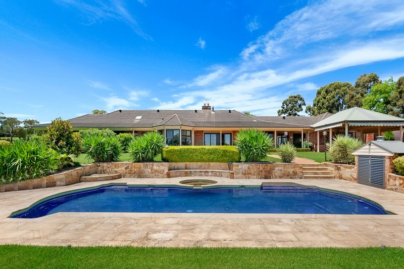 Expansive family home in private setting