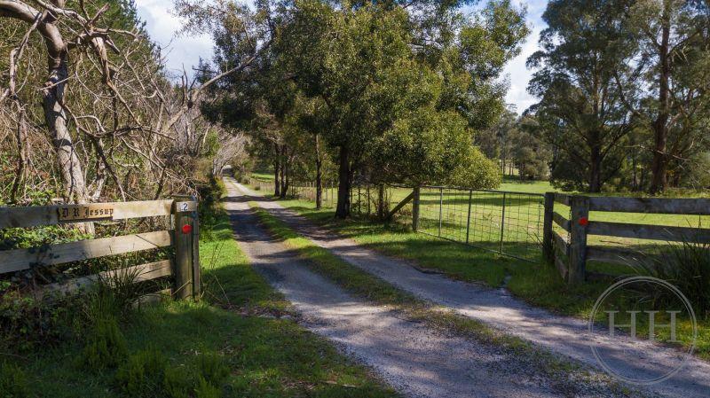 2 MacKenzie Valley Road-24