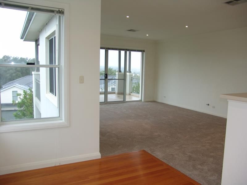 9/112 Governors Way, Macquarie Links