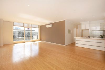 Cityview Tower: Stunning Two Bedroom Apartment with A Car Space!