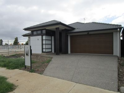 Newly Built Family Home With 2 Living Areas!