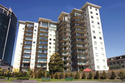 Sovereign: Fresh and Bright Two Bedroom Apartment in Southbank!