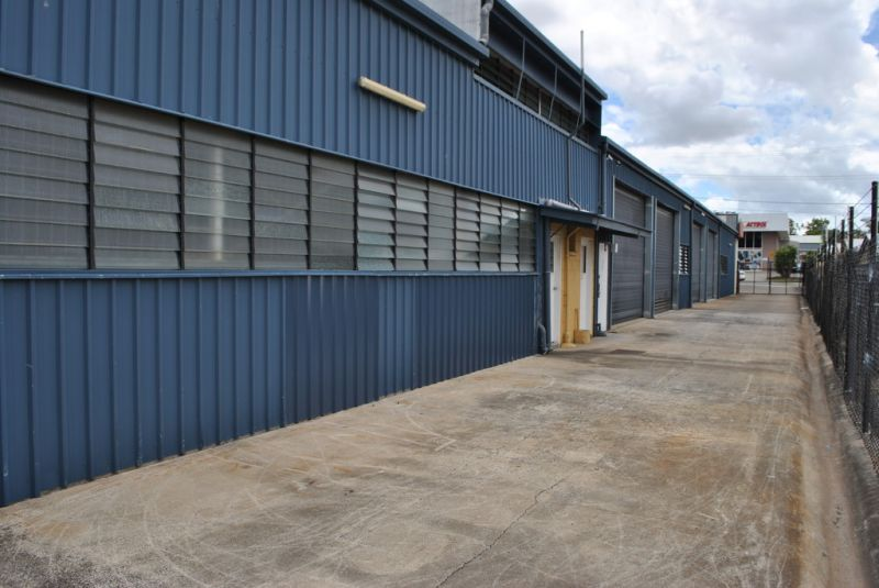 FREESTANDING INDUSTRIAL SHED WITH 200 AMPS OF POWER