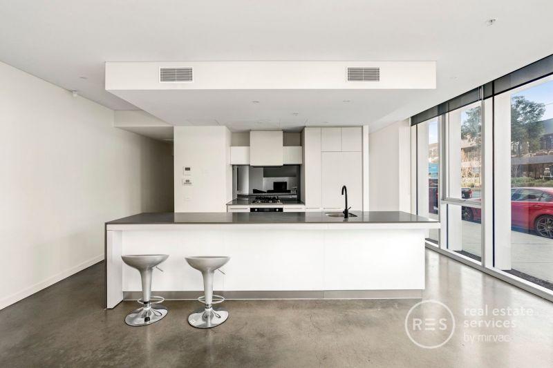 Unique ground floor apartment ideal for home office/studio combination