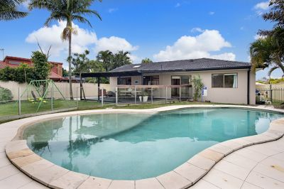 Great Family Home with a Pool and Home Office