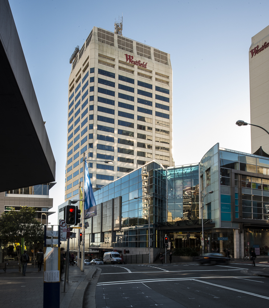 MARVELOUS VIEWS OFFICES FOR 3-PERSON LOCATED IN THE HEART OF BONDI JUNCTION