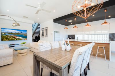 MODERN WATERFRONT ENTERTAINER - furnished