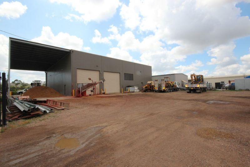 Modern Tilt Slab Workshop/Warehouse with Class