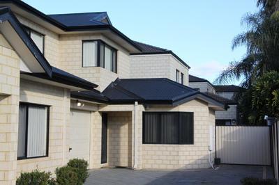 3 Bedroom, 2 Bathroom, Super spacious Villa in group of 4 with double lock up garage