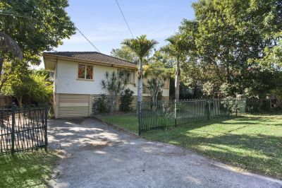 Quiet leafy street only minutes to CBD