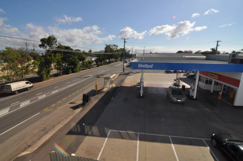 Ingham Road Showroom/Warehouse Opportunity
