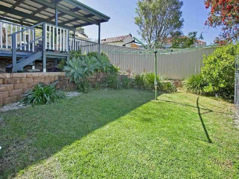 1 Iraga Avenue, West Wollongong NSW