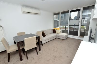 Modern and Spacious One Bedroom Apartment with Storage Galore! L/B
