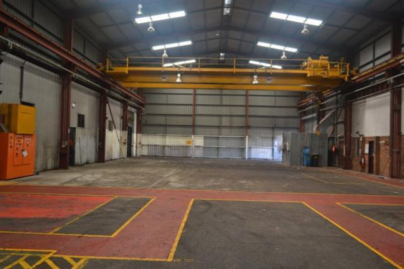 Worshop with 20t Crane and 1000 Volts
