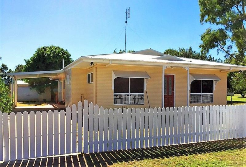 Charming Family Home with Big Shed, BORE and Spacious Backyard