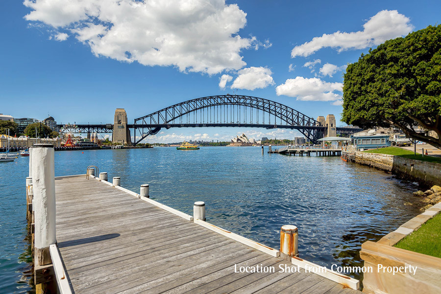 4/2a Henry Lawson Avenue, Mcmahons Point