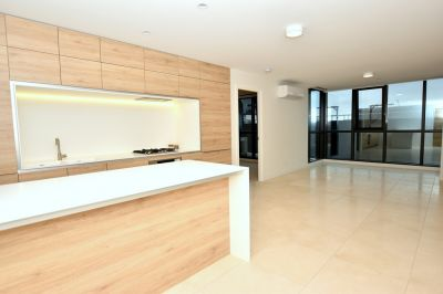 Queens Domain: Brand New 2 Bedroom Apartment in Melbourne!