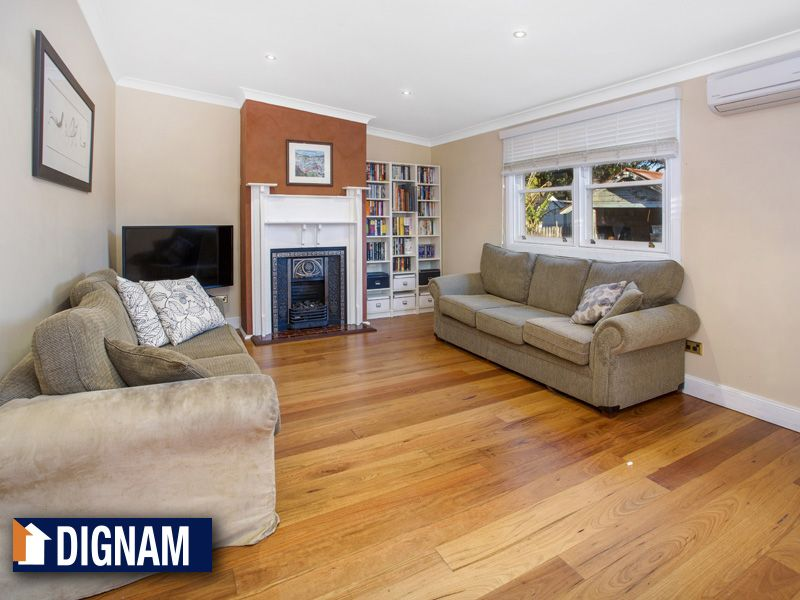 18 Station Street, Thirroul NSW