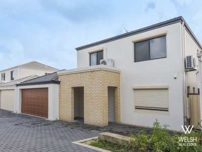 MODERN WELL LOCATED TOWNHOUSE!