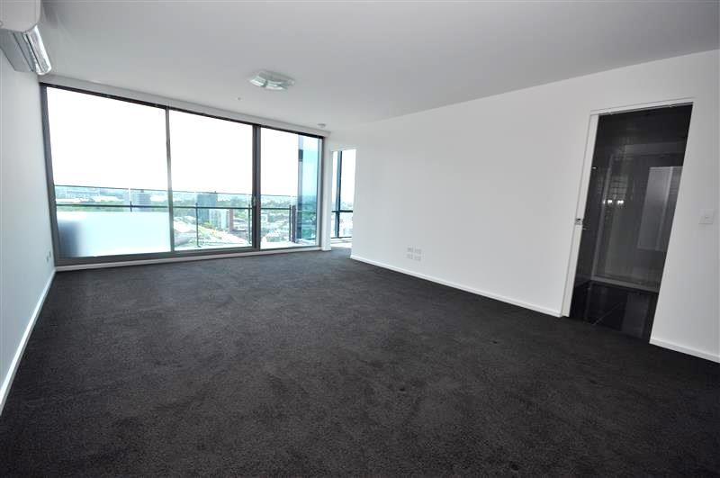 MAINPOINT: 28th Floor - Fantastic Southbank Location!