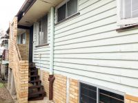 3 Bedroom Unit - Great Location - Small Pets Considered!