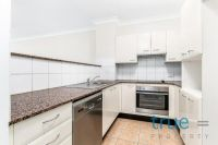 IMMACULATE AND STYLISH EXECUTIVE APARTMENT