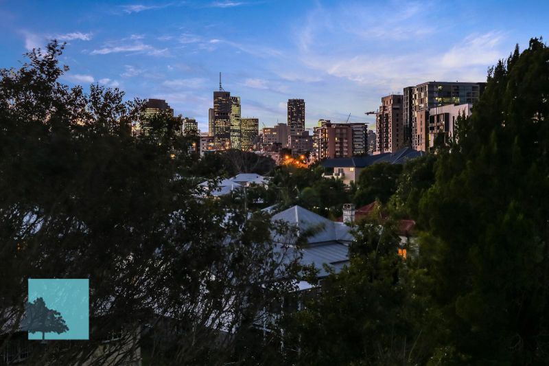 City Views, 24sqm balcony, Super Quiet & Private.>