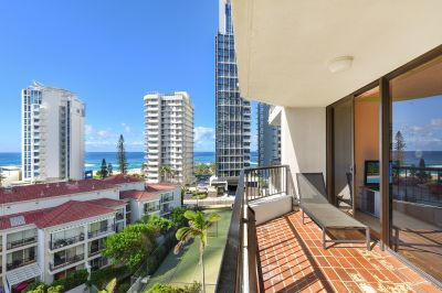DECEASED ESTATE! THE PERFECT RENOVATOR WITH OCEAN VIEWS!