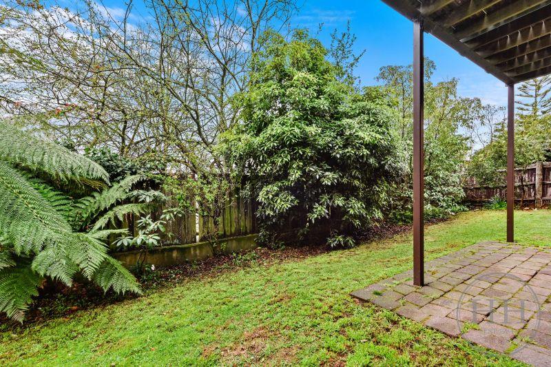 345 Brisbane  Street West-16