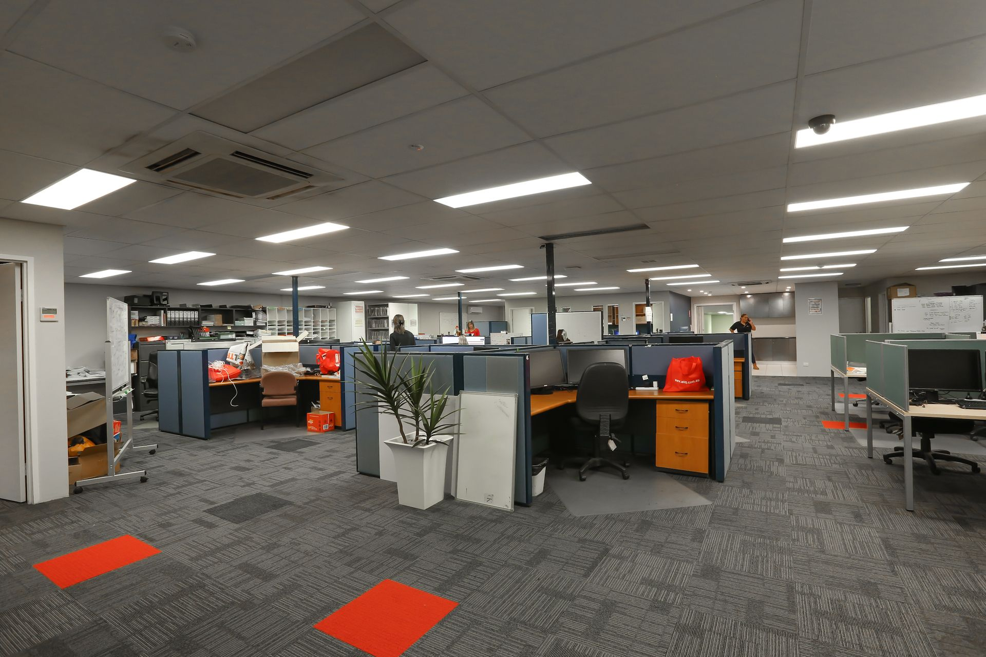 2919M2 FREEHOLD HEADQUARTERS : WAREHOUSE : OFFICE