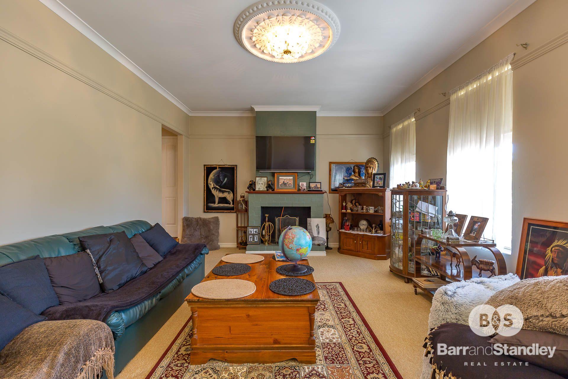 1 Harwood Place, South Bunbury