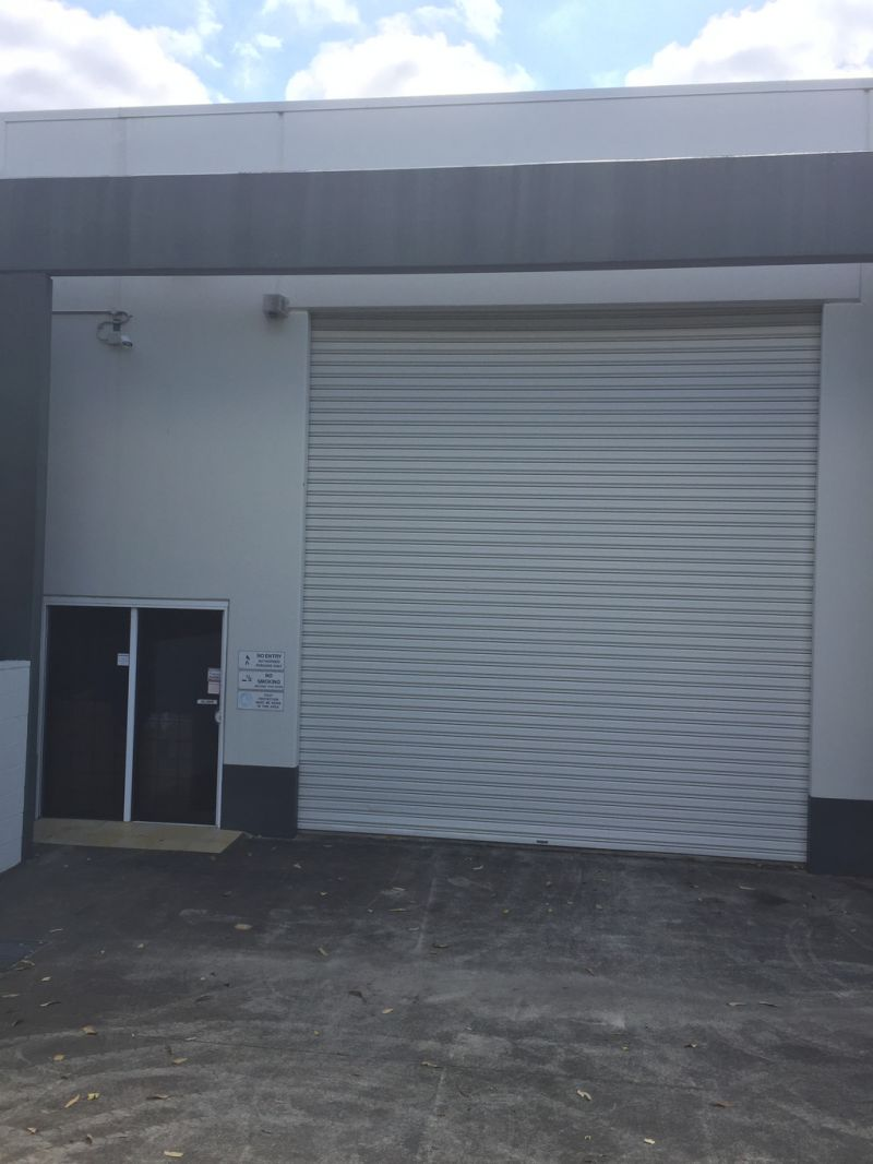 WAREHOUSE FOR SALE ADJACENT THE M1