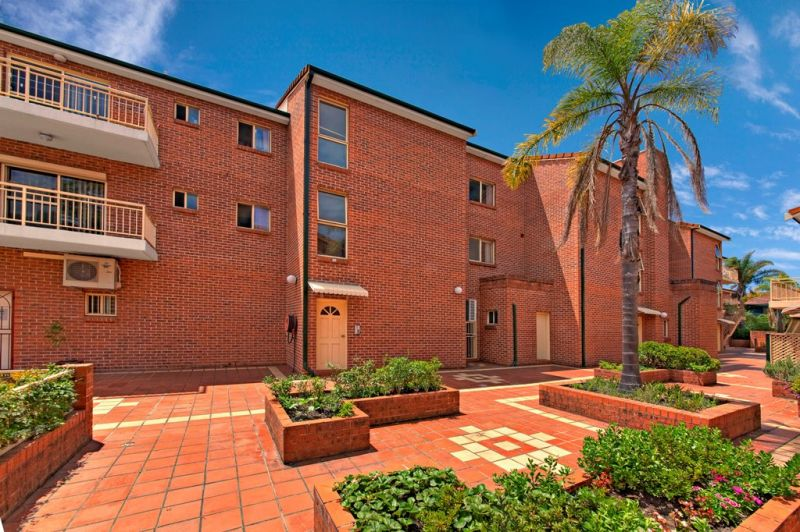 Spacious 90sqm Apartment in An Ultra Convenient Location