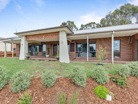 4  LAKE VIEW DRIVE Broadford, Vic