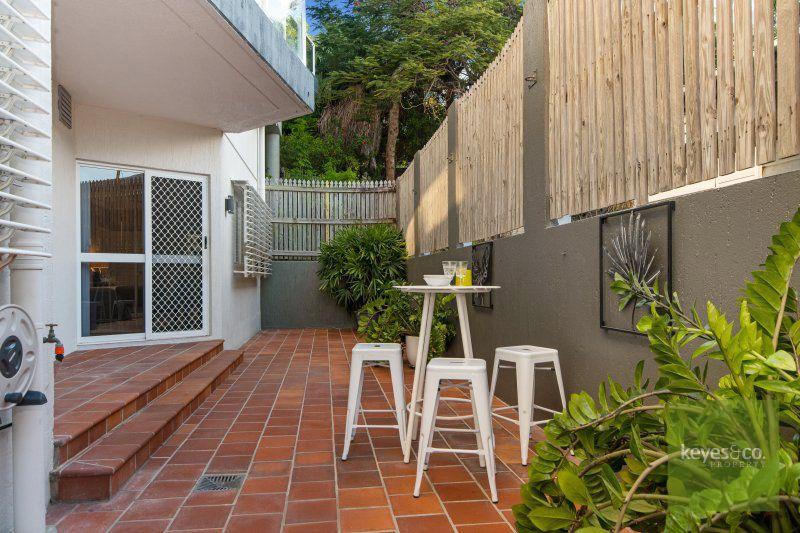 2/4 Stanton Terrace, Townsville City
