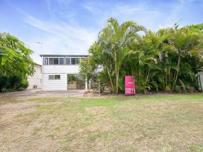 DUAL LIVING ON MASSIVE 5926SQM BLOCK – ABSOLUTE RIVER FRONTAGE