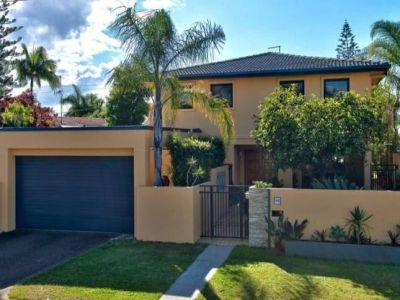 Sought After Isle of Capri Family Home