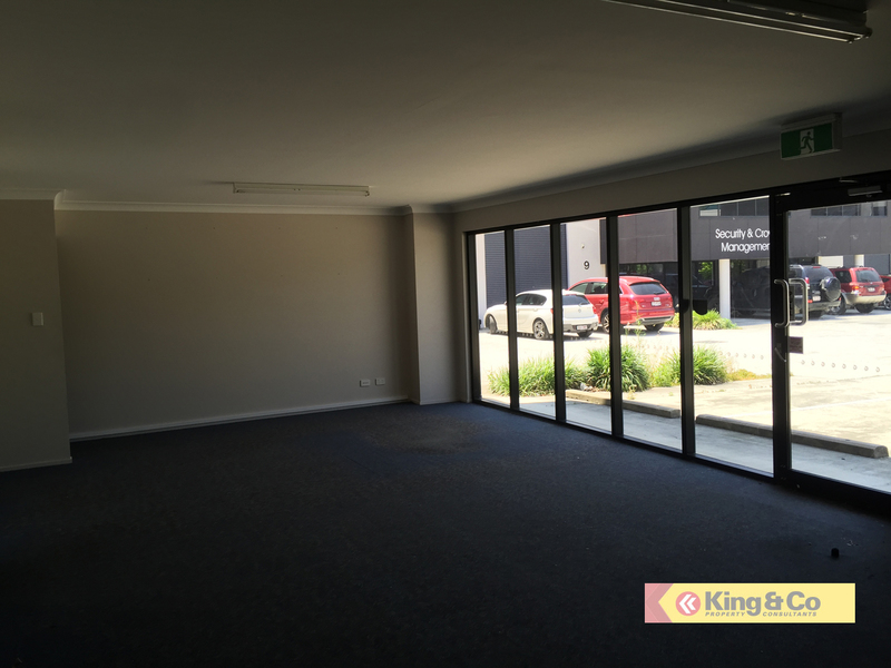 CORPORATE UNIT ON BUSY STATION AVENUE!