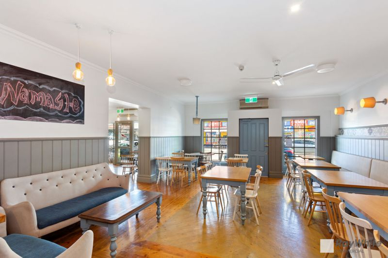 CAFE / HOSPITALITY OPPORTUNITY WITH LIQUOR LICENSE - COMES WITH AN EXQUISITE FIT-OUT