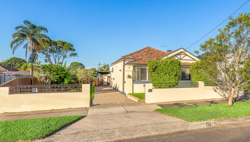 Immaculate Brick Home in Popular Location offers Instant Appeal