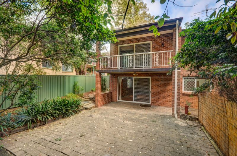 3 BEDROOM TOWNHOUSE WITH DOUBLE GARAGE