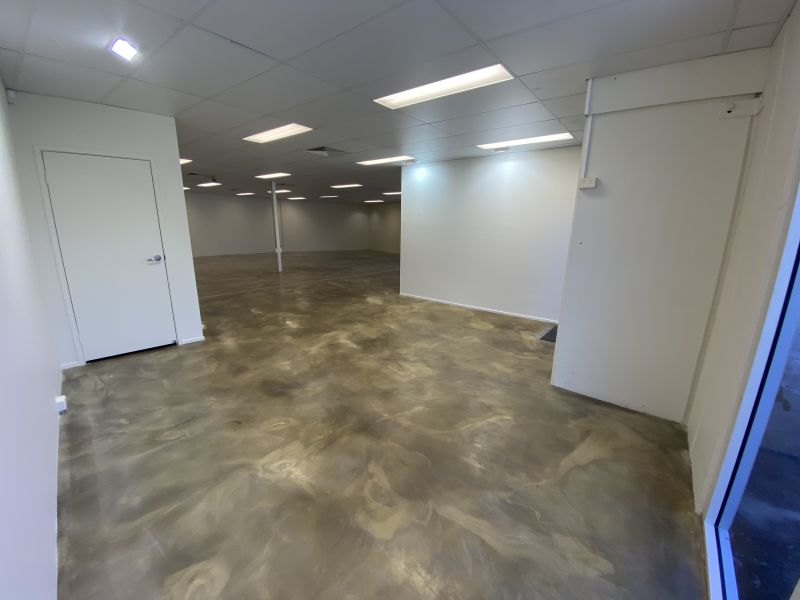 172SQM* IMMACULATE SHOWROOM OFFICE WITH INCREDIBLE M1 EXPOSURE IN ROBINA