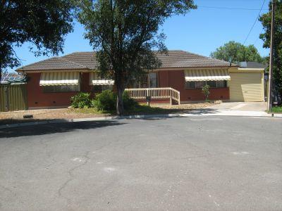 3 Bedroom Home close to Westfield Marion, SA Aquatic Centre, Brighton Beach, Flinders Uni & Medical Centre