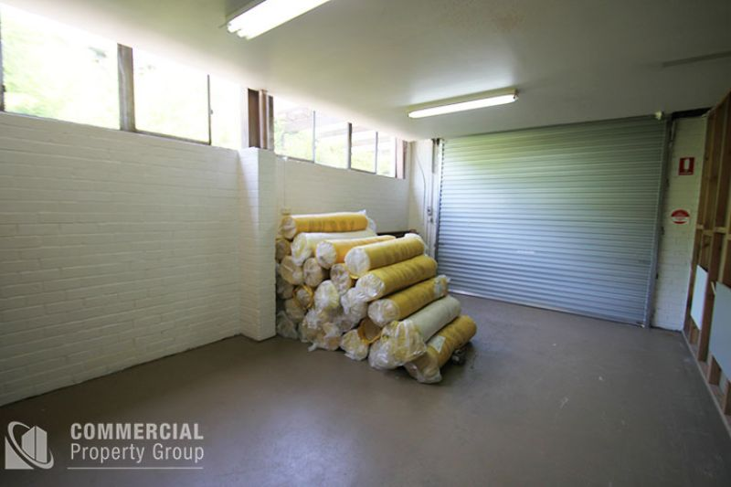 LEASED BY MITCHELL OWEN - UNIQUELY DESIGNED FIT-OUT PROVIDING SHOWROOM, OFFICES & WAREHOUSE