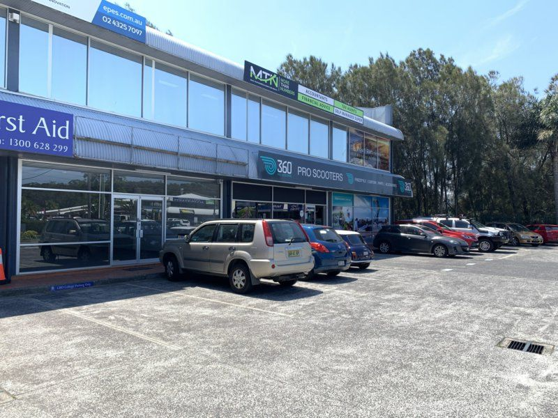 RETAIL / OFFICE WITH MAIN ROAD FRONTAGE