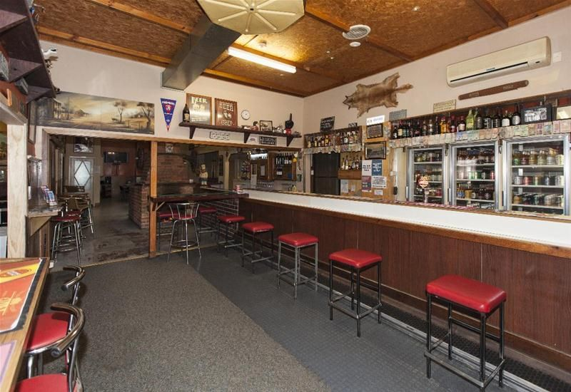 Hotel Business in Picturesque Pyrenees Winery Region