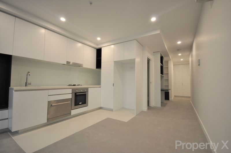 One Bedroom with Carpark!