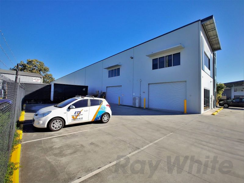 ATTRACTIVE 166sqm* OFFICE/ WAREHOUSE